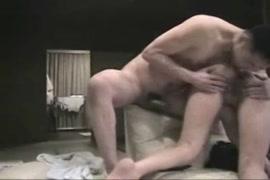 Video porno mulher gosando e mostrando muinta esperma